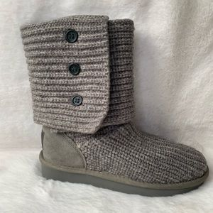 UGG CLASSIC KNIT CARDY UGGS!!!NEVER WORN!!